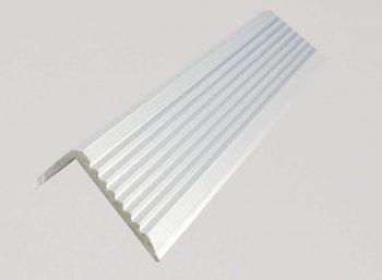 11.4 - Aluminium stair noising Silver OLA PIC 20